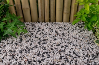 White 2-5mm and Black 2-5mm Mixed Gravel